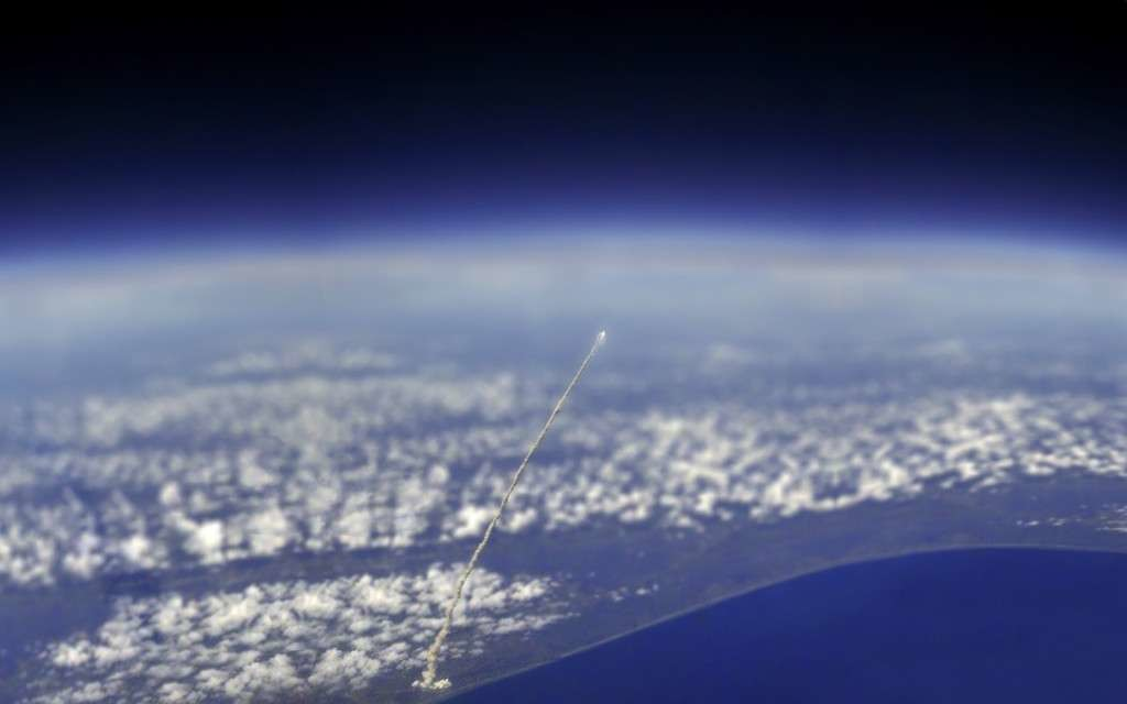811 - Space Shuttle Atlantis Viewed from the ISS